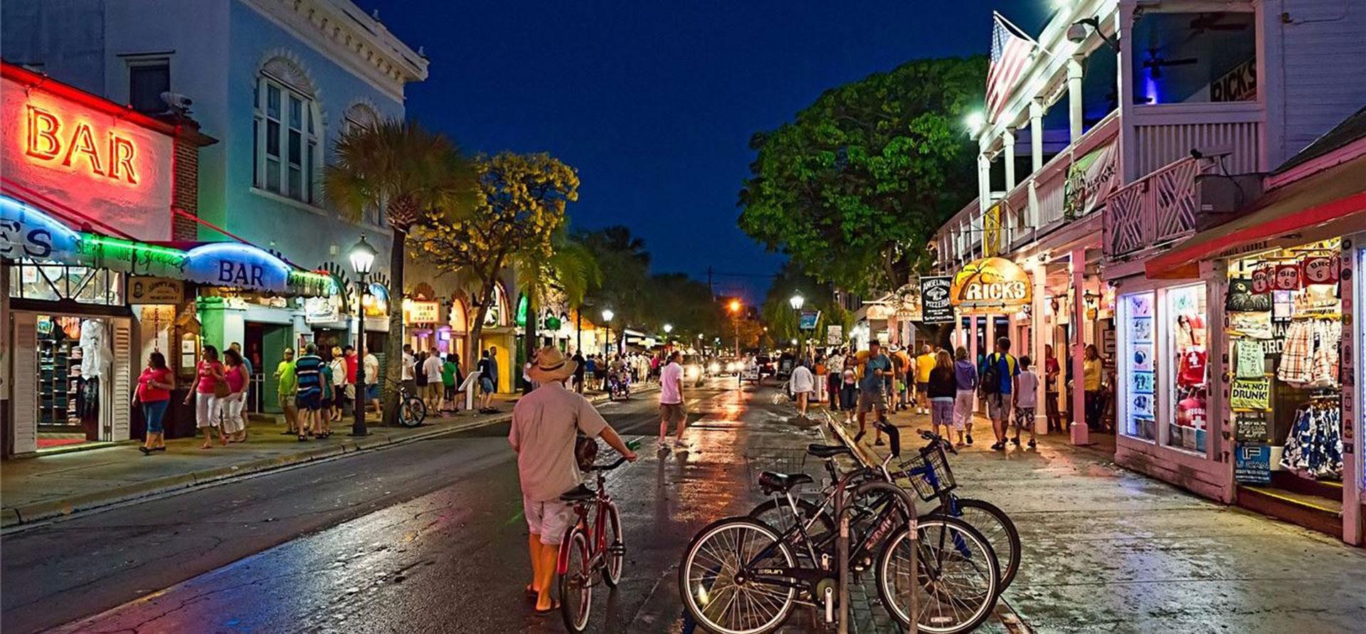 Bars & Night Life at Key West Hotel
